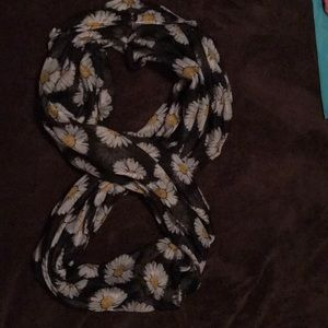 Large infinity scarf with Daisies